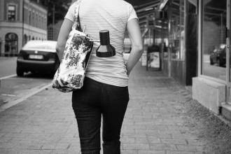 På gatorna som en vanlig kvinna